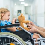 Exoesqueletos para terapia en niños con atrofia muscular